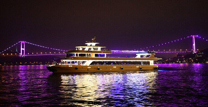 Best Bosphorus Dinner Cruise in Istanbul
