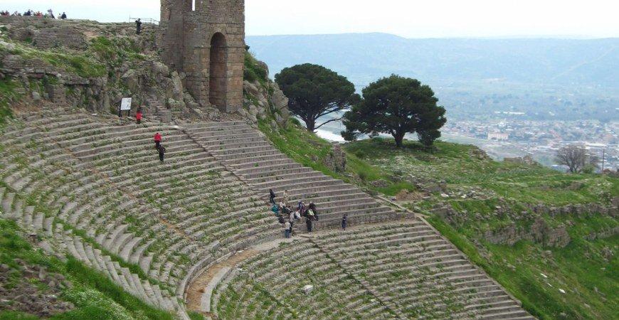 Kusadasi to Pergamon Troy & Gallipoli Tours to Istanbul